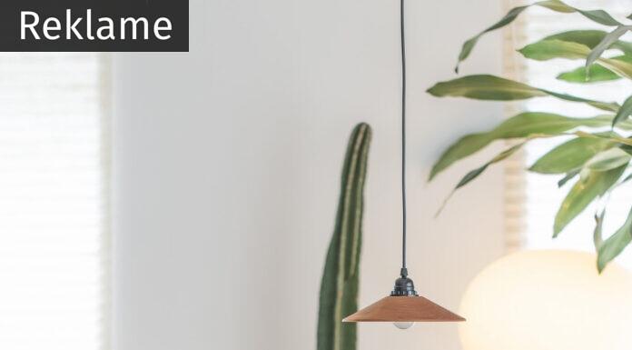 Rundt spisebord i lyst rum